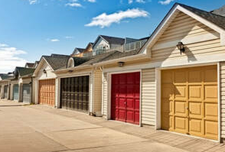 Beautiful garages that have been repainted by Peintre Victoriaville.
